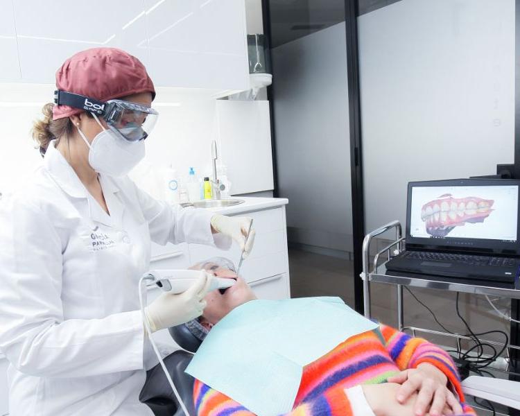 Escaner intraoral 3d dentista cambre